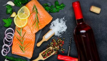 what wine goes with salmon
